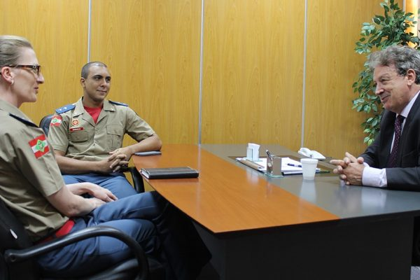 associacao-empresarial-recebe-comando-do-bombeiro-militar