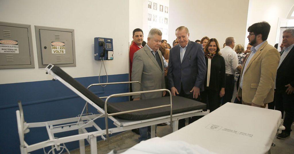 empresarios-doam-macas-ao-hospital-sao-jose-durante-celebracao-dos-113-anos