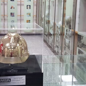 premio-protecao-brasil-e-capacete-de-ouro-ficam-em-exposicao-na-acij
