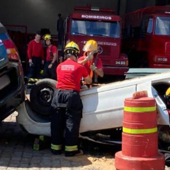 nucleo-de-corretoras-de-seguros-da-acij-faz-doacoes-ao-corpo-de-bombeiros-voluntarios-de-joinville
