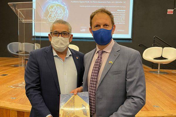 em-joinville-consul-americano-defende-parceria-para-superar-crise-climatica